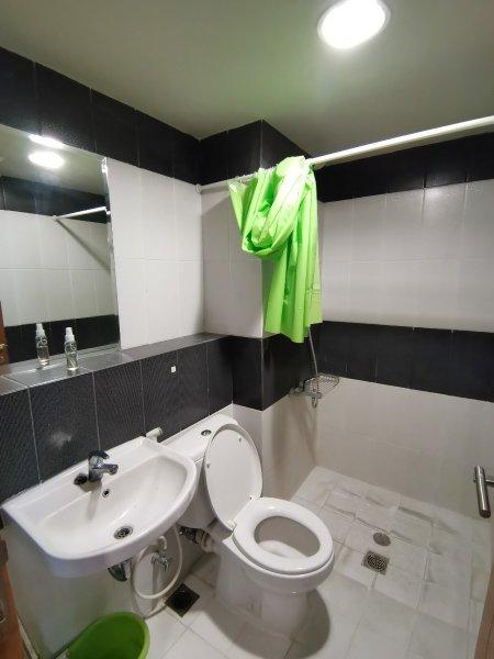 2BR-Sudut-Bathroom